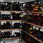 In che posizione vanno tenute le bottiglie per conservarle nei migliori dei modi?